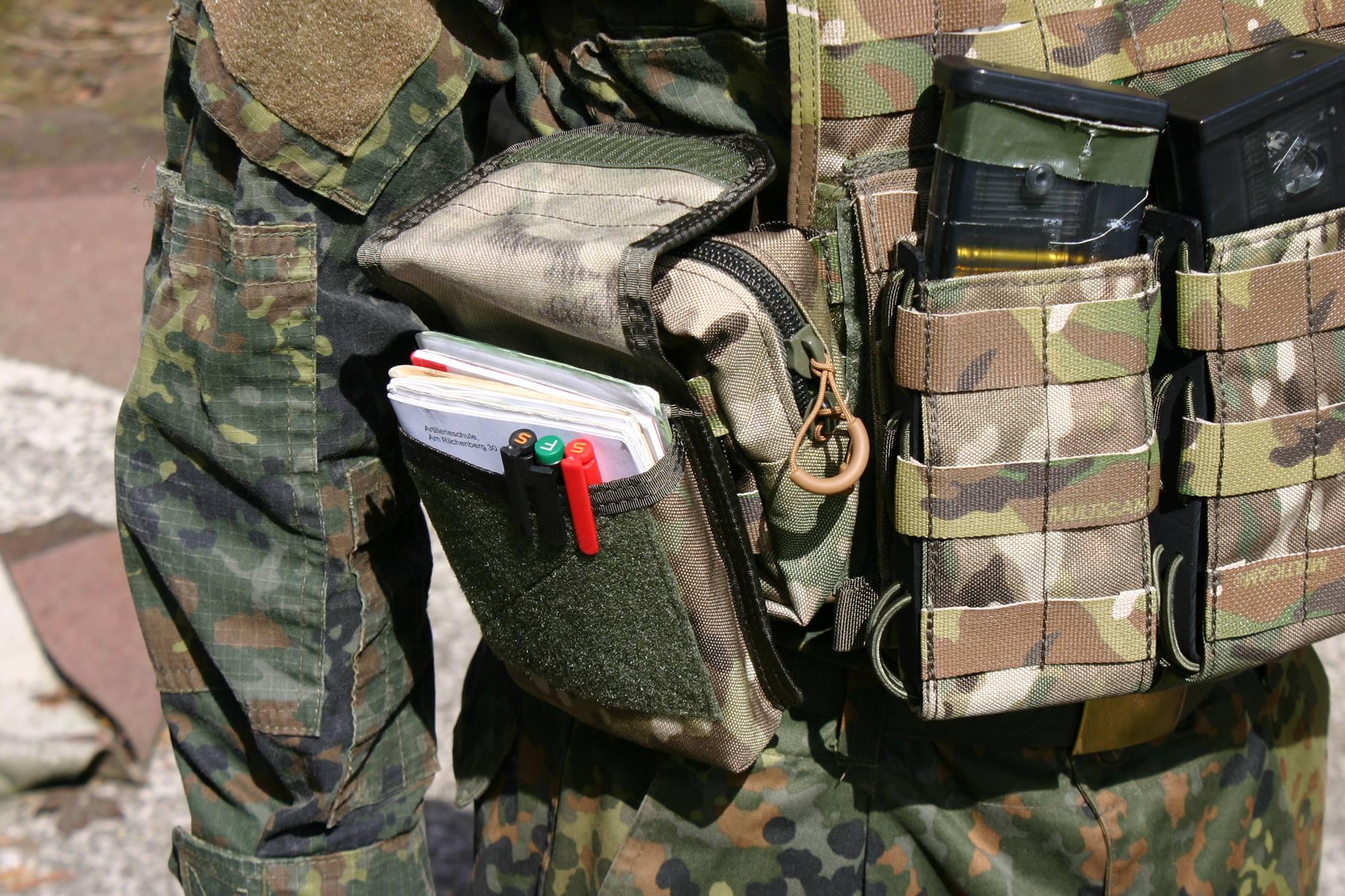 Das Hauptfach der Kommandeurs Tasche