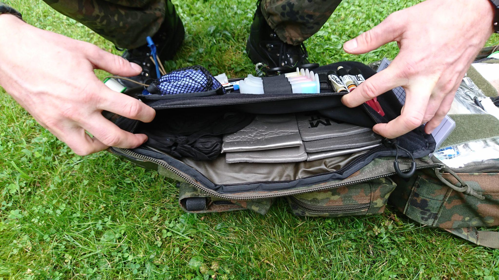 Einschubfächer im Deckel des Rettungsrucksack ZFR